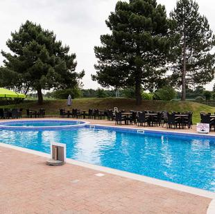 Chigwell fitness and wellbeing gym outdoor pool