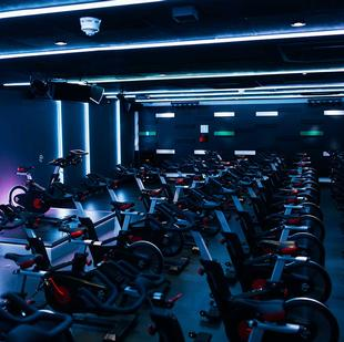 Chigwell fitness and wellbeing gym spinning