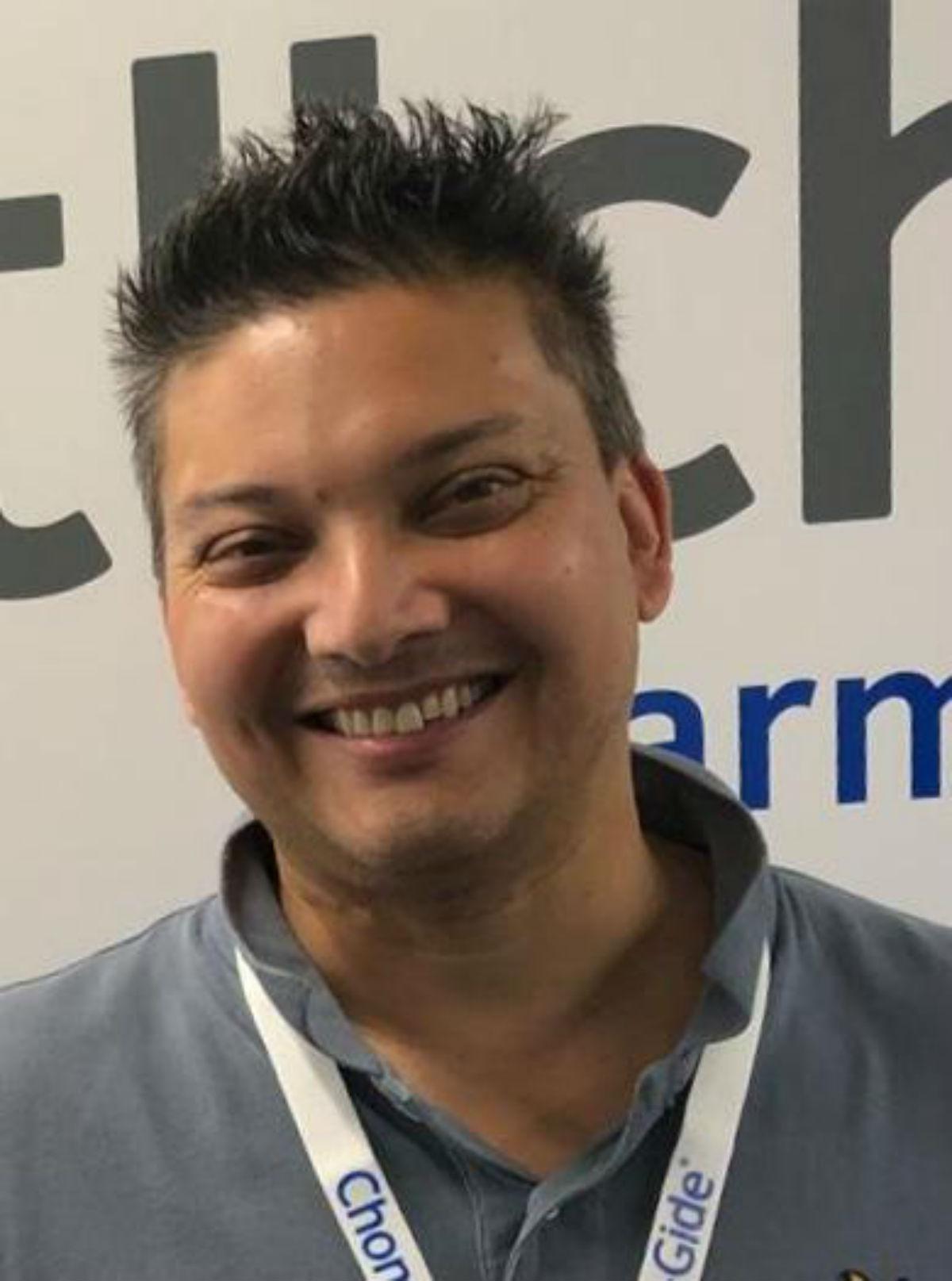 Mr  Ken  Mannan