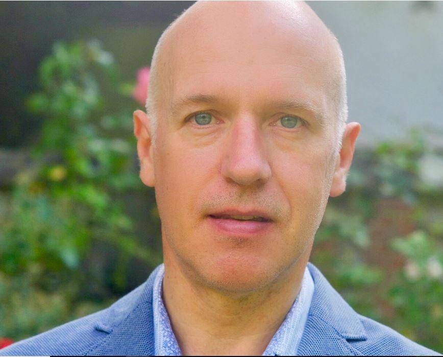 Mr Simon Cudlip
