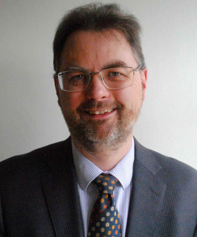 Dr Robert Marshall
