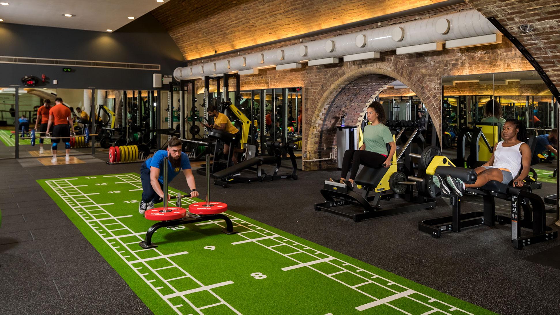 City gym spin studio