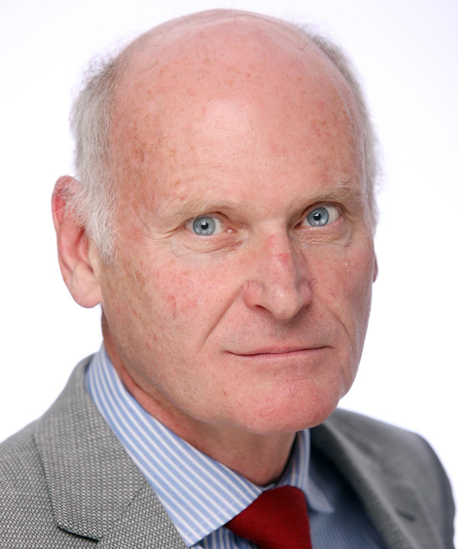 Dr Stuart Cairns