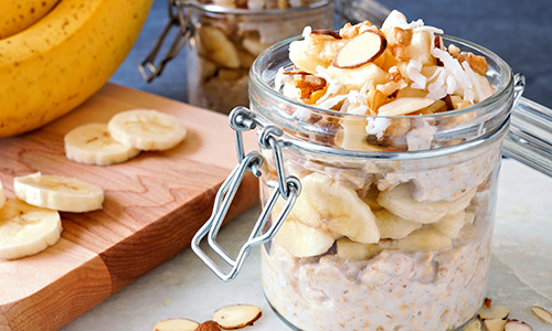 Overnight oats with banana and nuts