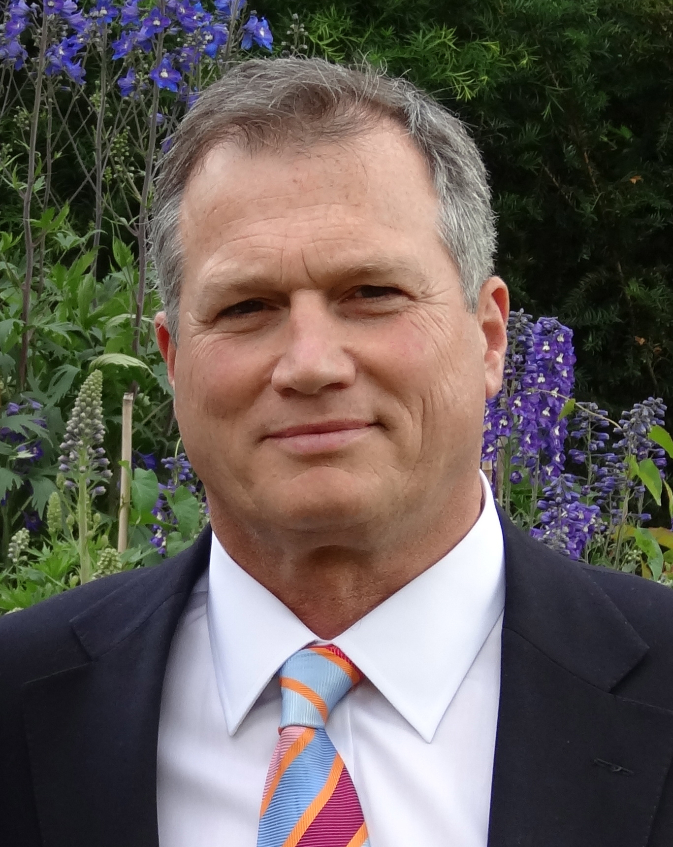 Mr Simon Cavanagh