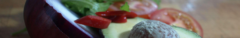 Seared tuna with avocado salsa recipe | Nuffield Health