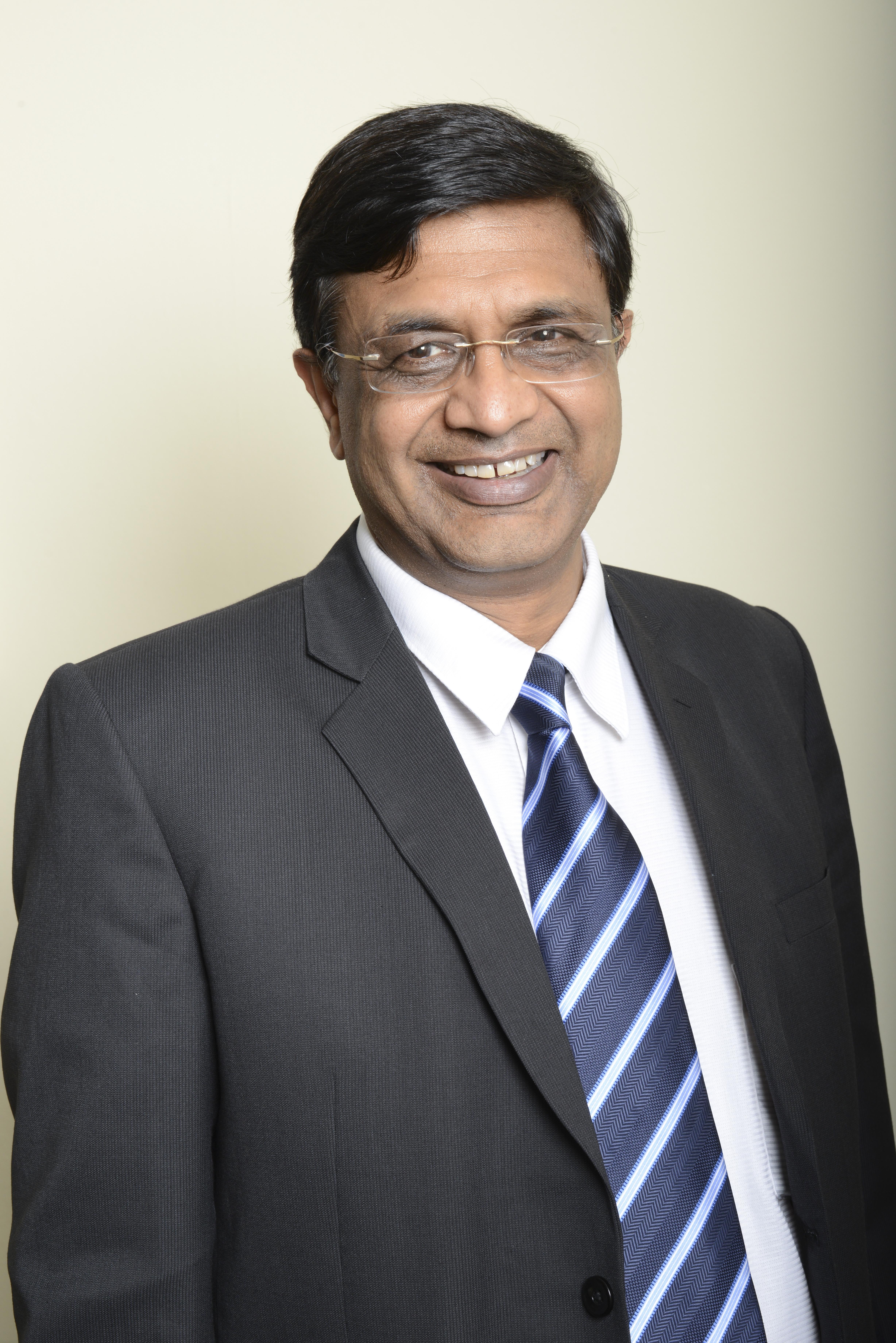 Mr  Sumit Goyal