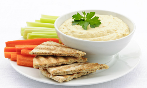 Hummus, pitta and vegetables