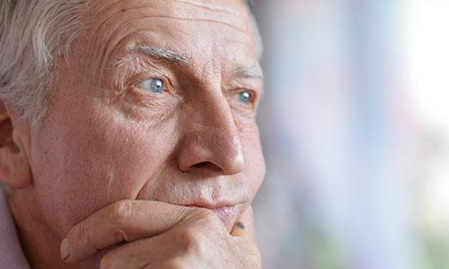 Senior man thinking about health - Spromo