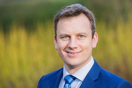Mr James Hahnel, Consultant Orthopaedic Surgeon