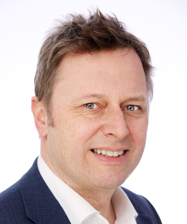 Mr Nigel Brewster