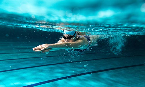 Swimming - woman under water
