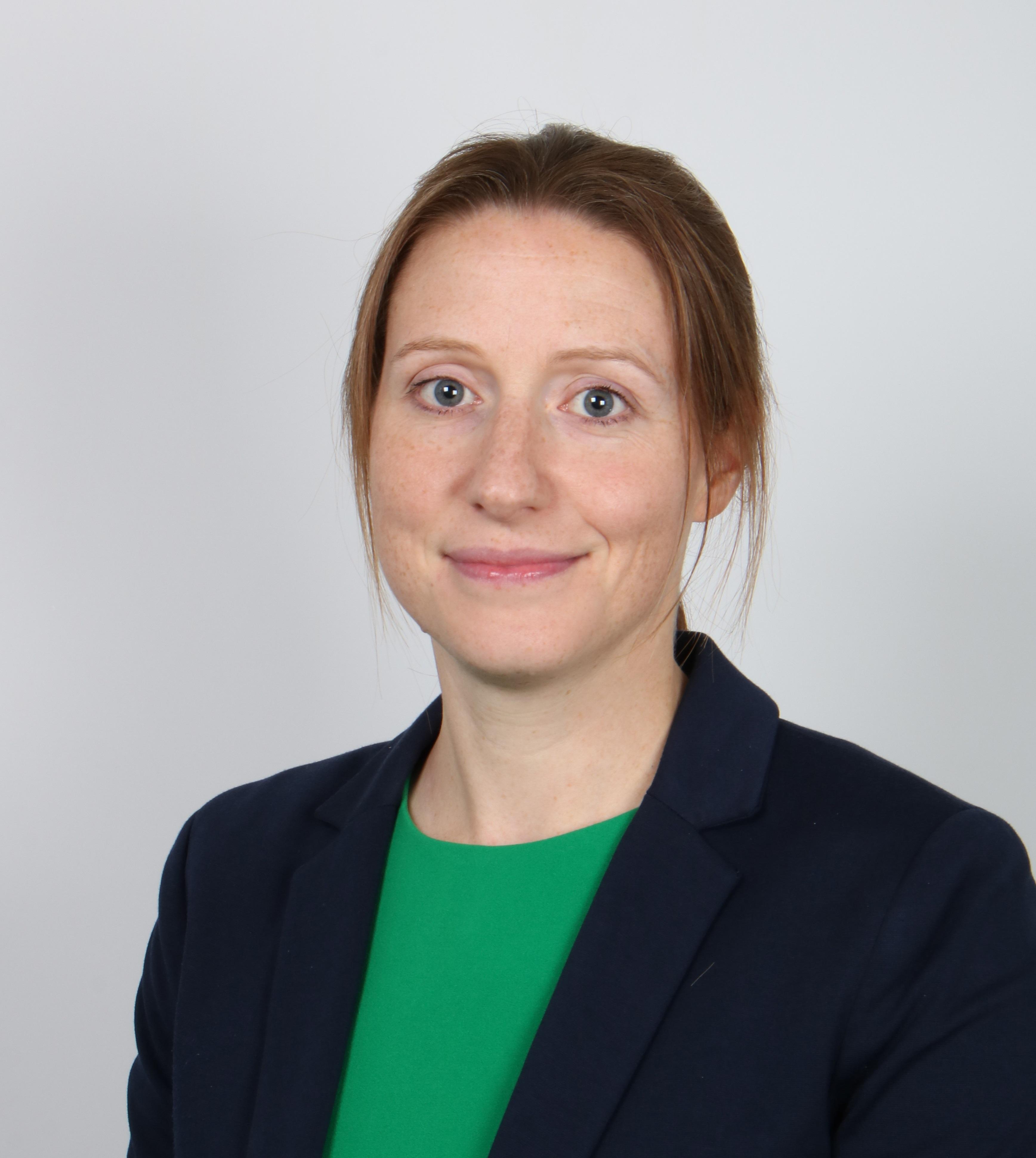 Dr  Claire Martin